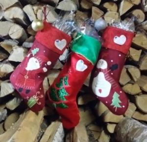 Kalėdinės dovanos. reklaminiai saldumynai, automobilio kvapai, touch pirštinės.