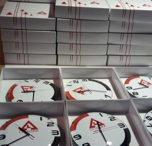 laikrodžiai su logo