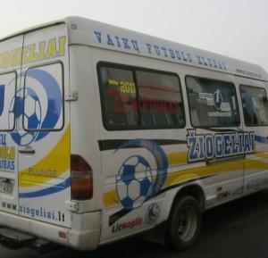 Mikroautobuso apklijavimas